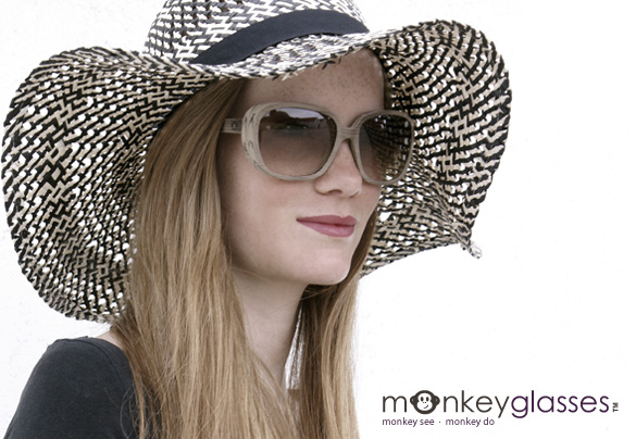 Monkey_glasses_brandwall_01